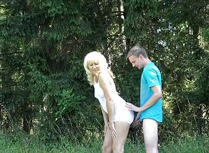 Straight,german,amateur,mature,blonde,outdoor