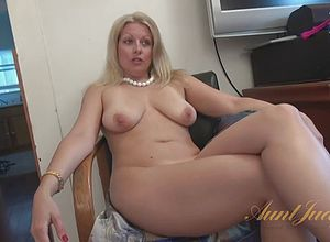Blonde,castings,matures,milf,striptease