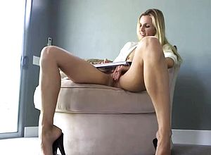 Amateur,blonde,fingering,masturbation,milf,small Mounds