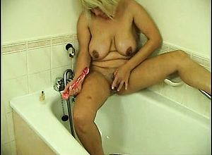 amateur,blonde,masturbation,milf,shower,solo,toys