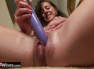 masturbation,mature,solo,straight