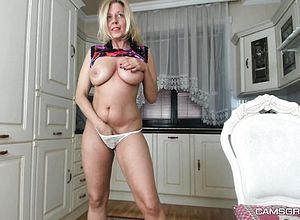 Amateur,big boobs,blonde,erotic,milf,webcam